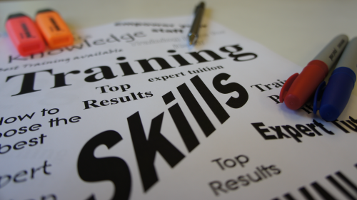 التدريب والتطوير
